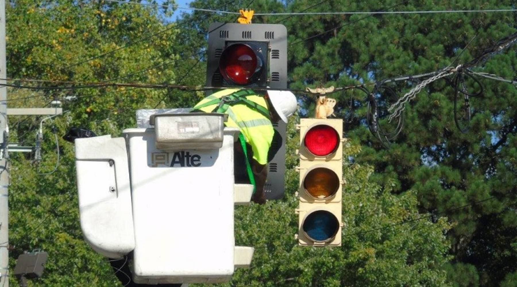 "Georgia DOT: Georgia DOT's Signal Software Update to Make Traffic ""Smart"""
